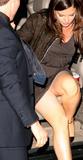 Katie Holmes upskirt Foto 138 (Кэти Холмс под юбкой Фото 138)