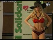 Alejandra Maglietti sexy en bikini