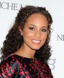 Alicia Keys ( Алисия Кис ) - Страница 2 Th_28494_celebrity_paradise.com_TheElder_AliciaKeys2010_03_15_GothamMagazineAnnualGala7_122_404lo