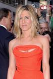 http://img106.imagevenue.com/loc8/th_64937_JenniferAniston2011_05_05_arrivingatSephorainNewYorkCity10_122_8lo.jpg